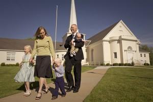rodina jde z Církve