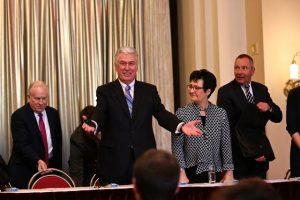 President Uchtdorf zorganizoval kůl
