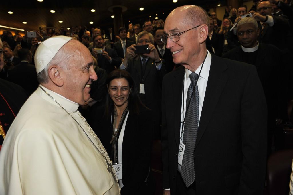 Papež František zdraví presidenta Henryho B. Eyringa
