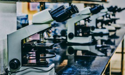 Vylučuje se navzájem věda a náboženství?