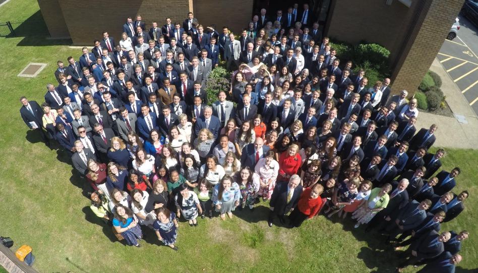 vsichni misionari u kaple v Anglii
